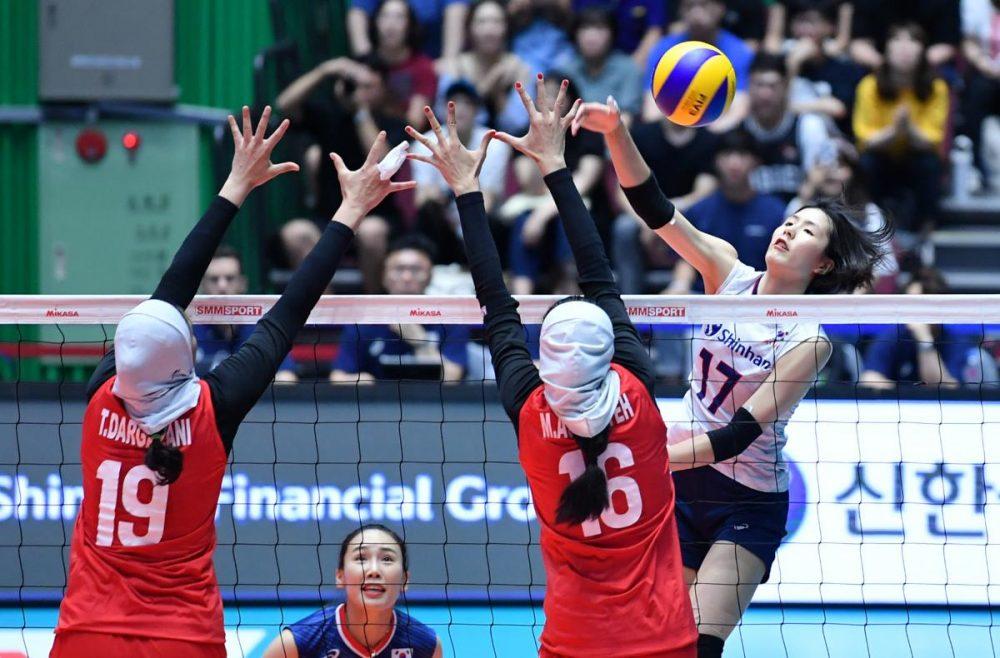 تصاویر دیدار تیم های ملی والیبال بانوان ایران و کره جنوبی 2 1000x658 گزارش تصویری دیدار والیبال بانوان ایران و کره جنوبی