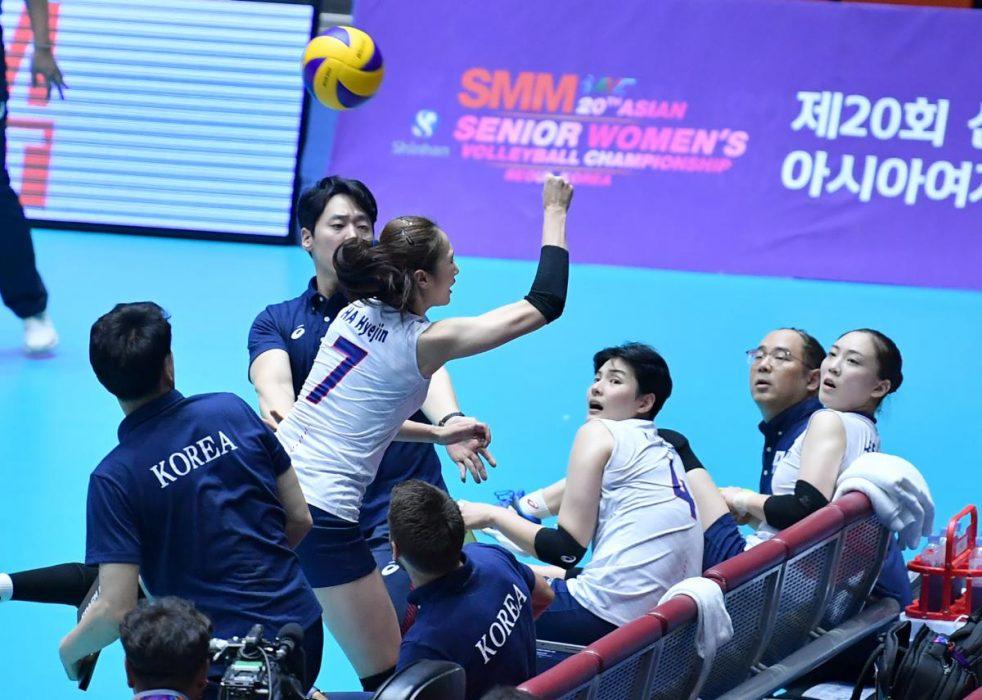 تصاویر دیدار تیم های ملی والیبال بانوان ایران و کره جنوبی 7 982x700 گزارش تصویری دیدار والیبال بانوان ایران و کره جنوبی