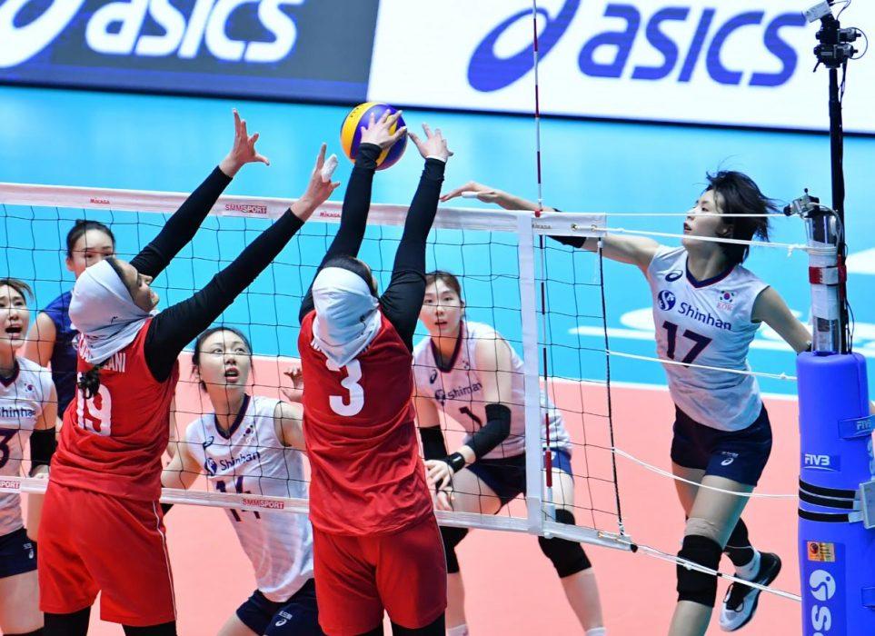 تصاویر دیدار تیم های ملی والیبال بانوان ایران و کره جنوبی 9 963x700 گزارش تصویری دیدار والیبال بانوان ایران و کره جنوبی