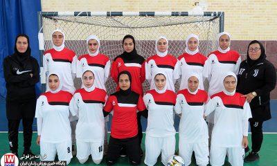 تیم فوتسال پارس آرای شیراز 400x240 برزگر : پیش بینی قهرمان فصل جاری لیگ فوتسال بانوان ممکن نیست