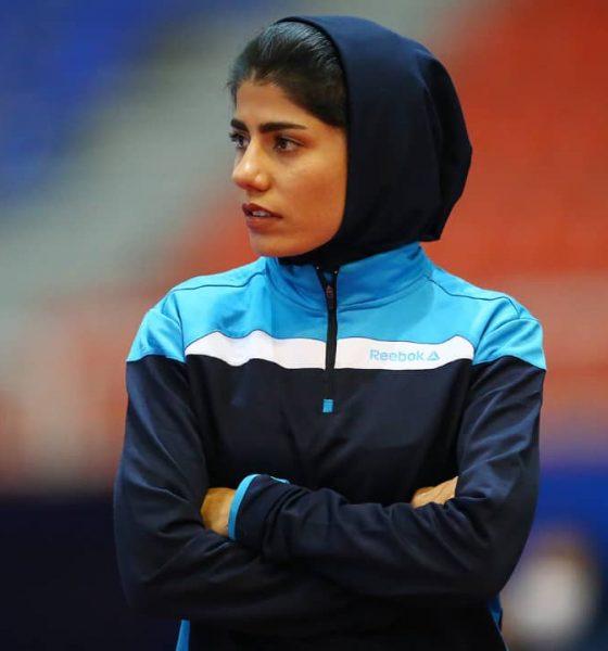 محبوبه رضوی سرمربی پویندگان صنعت فجر شیراز 560x600 محبوبه رضوی : دختران ورزشکار مجبور به اشتغال هستند | پویندگان 98، بومی و جوان اما با انگیزه