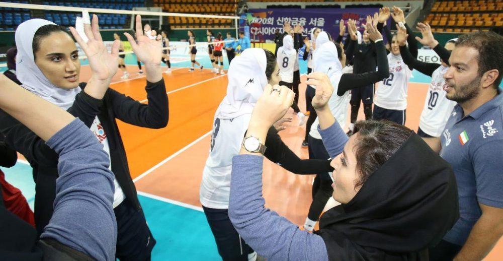 والیبال بانوان ایران و هنگ کنگ والیبال قهرمانی زنان آسیا 1 1000x518 گزارش تصویری | دیدار والیبال بانوان ایران و هنگ کنگ