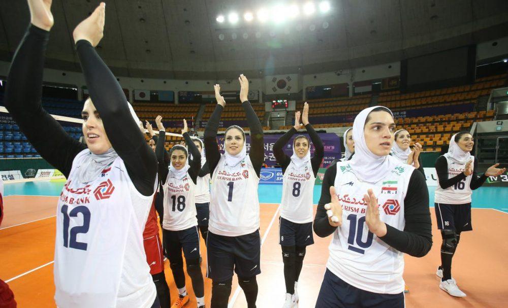 والیبال بانوان ایران و هنگ کنگ والیبال قهرمانی زنان آسیا 2 1000x607 گزارش تصویری | دیدار والیبال بانوان ایران و هنگ کنگ