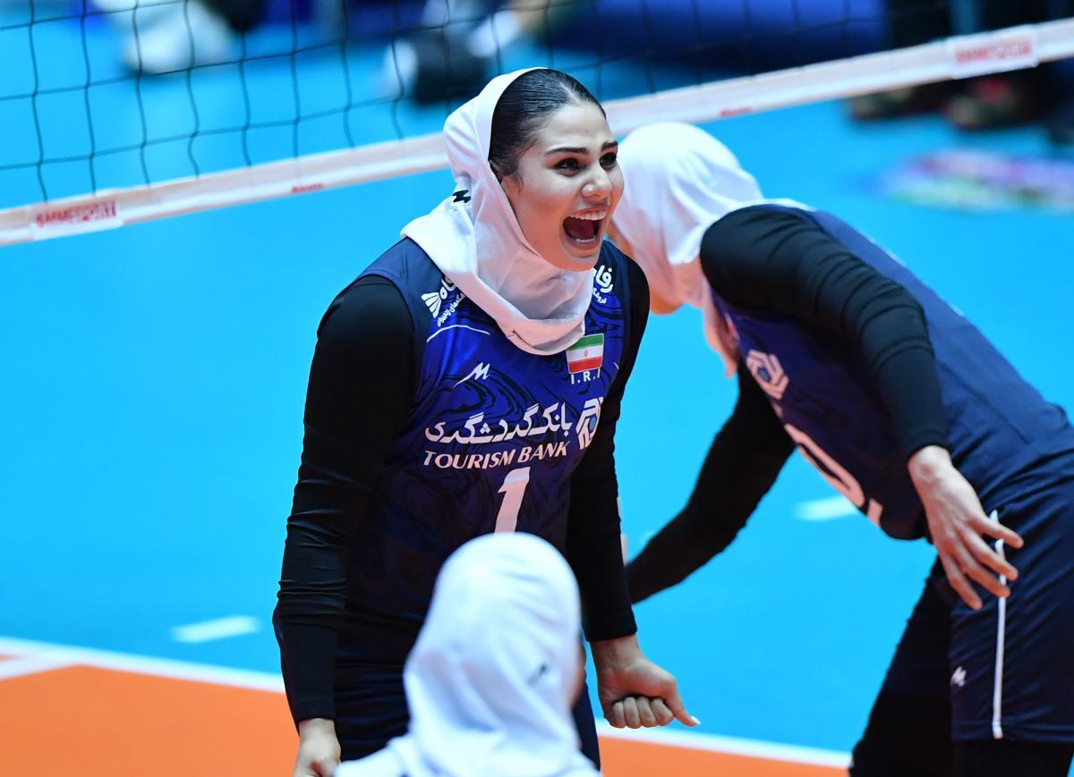گزارش تصویری | دیدار تیم های ایران و تایلند در والیبال زنان آسیا