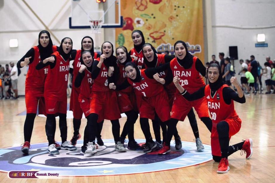 تاریخ سازی دختران بسکتبالیست با کسب اولین مدال بعد از انقلاب مدال برنز غرب آسیا به ایران رسید