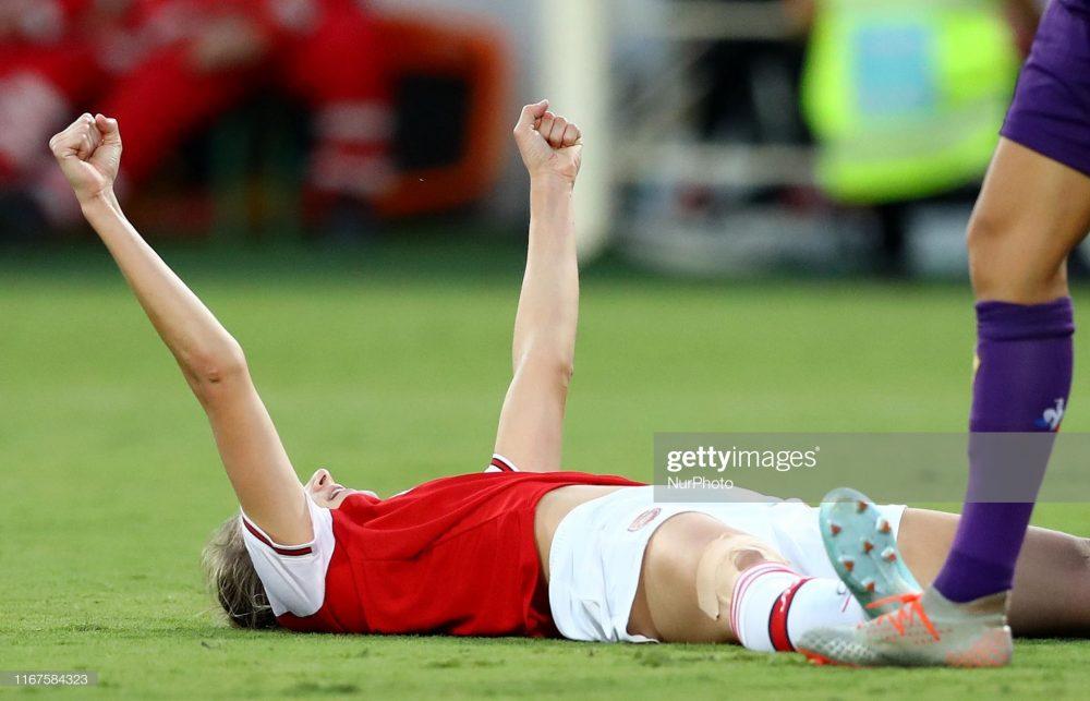 آرسنال فیورنتینا فوتبال زنان لیگ قهرمانان اروپا 1 1000x643 گزارش تصویری | دیدار تیمهای آرسنال و فیورنتینا در لیگ قهرمانان زنان