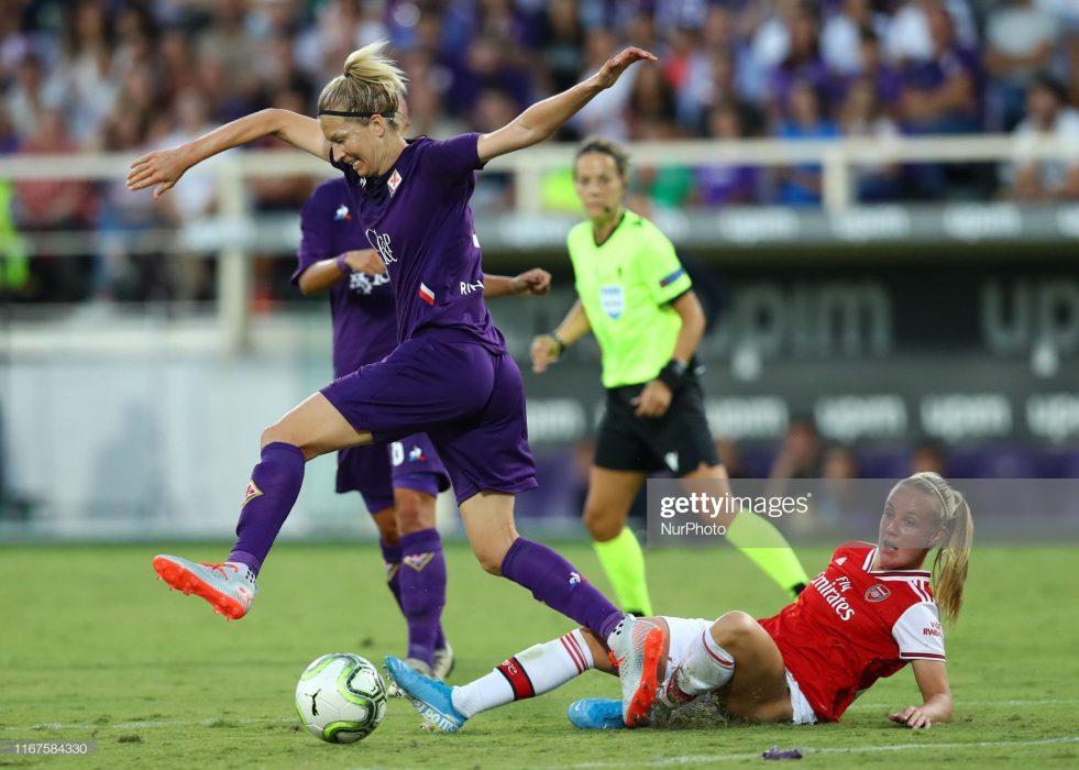 آرسنال فیورنتینا فوتبال زنان لیگ قهرمانان اروپا 5 981x700 گزارش تصویری | دیدار تیمهای آرسنال و فیورنتینا در لیگ قهرمانان زنان