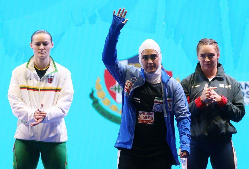 ابریشم ارجمندخواه 1 1000x680 تصاویر حضور ابریشم ارجمندخواه در مسابقات وزنه برداری قهرمانی جهان