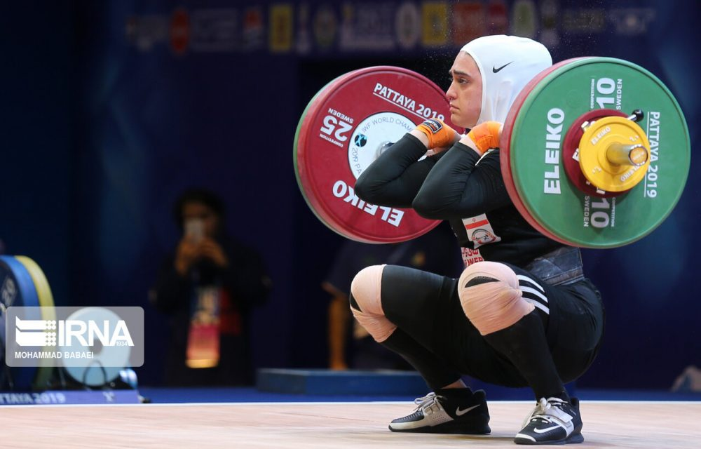 ابریشم ارجمندخواه 11 1000x640 تصاویر حضور ابریشم ارجمندخواه در مسابقات وزنه برداری قهرمانی جهان
