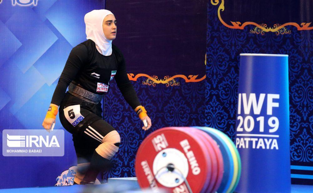 ابریشم ارجمندخواه 7 1000x616 تصاویر حضور ابریشم ارجمندخواه در مسابقات وزنه برداری قهرمانی جهان