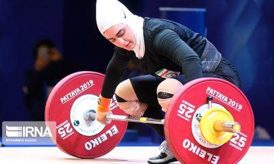 ابریشم ارجمندخواه 8 400x240 وزنه برداری قهرمانی جهان | ابریشم ارجمندخواه 170 کیلوگرم را بالای سر برد