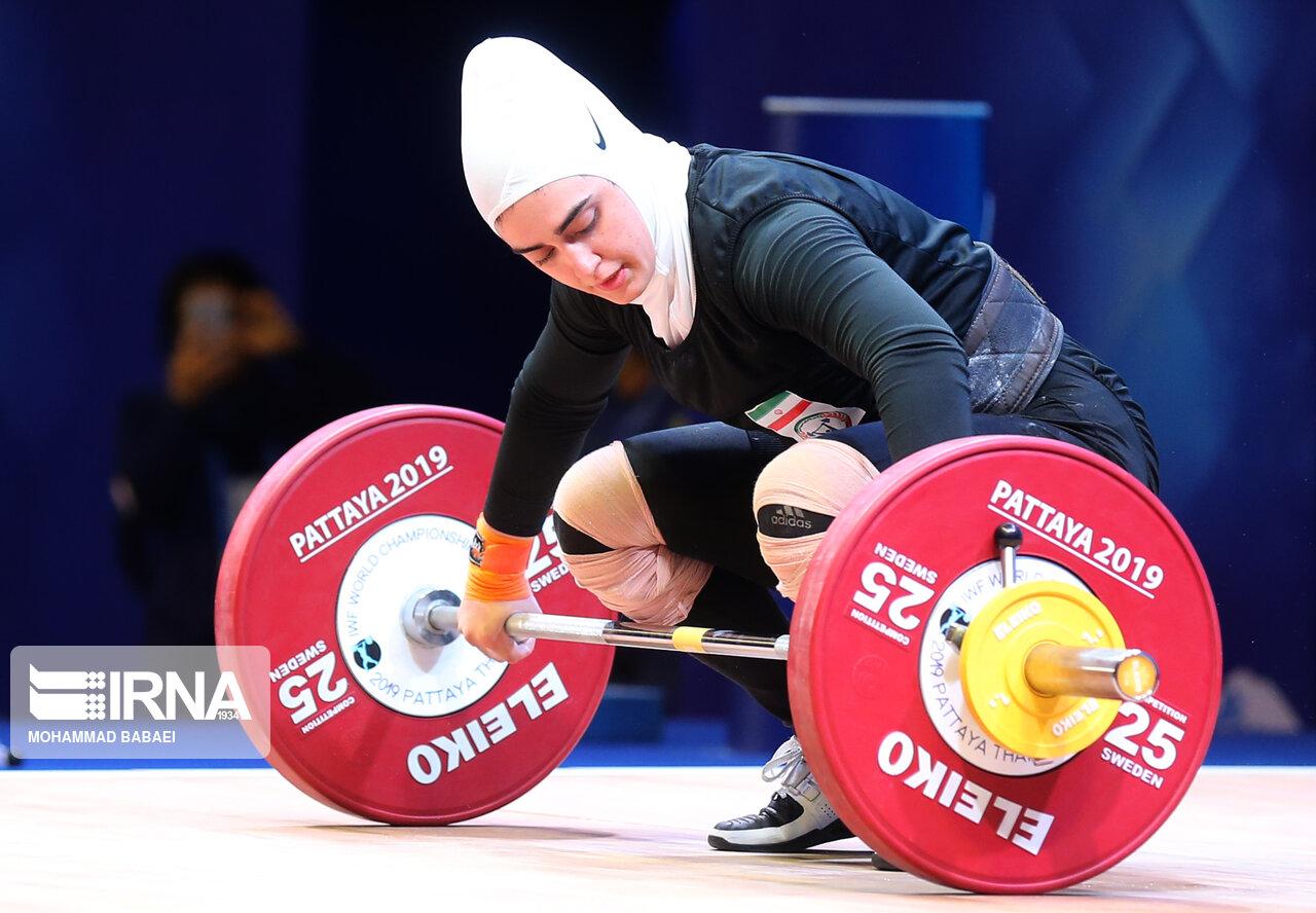 وزنه برداری قهرمانی جهان | ابریشم ارجمندخواه ۱۷۰ کیلوگرم را بالای سر برد