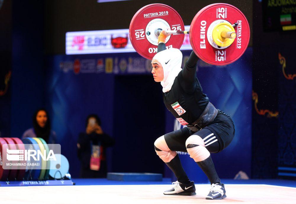 ابریشم ارجمندخواه 9 1000x690 تصاویر حضور ابریشم ارجمندخواه در مسابقات وزنه برداری قهرمانی جهان