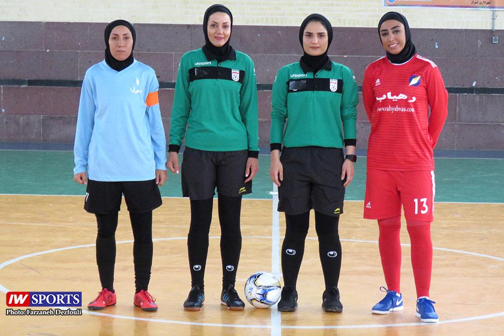 تصاویری از دیدار تیم های پارس آرای شیراز و رهیاب در لیگ برتر فوتسال