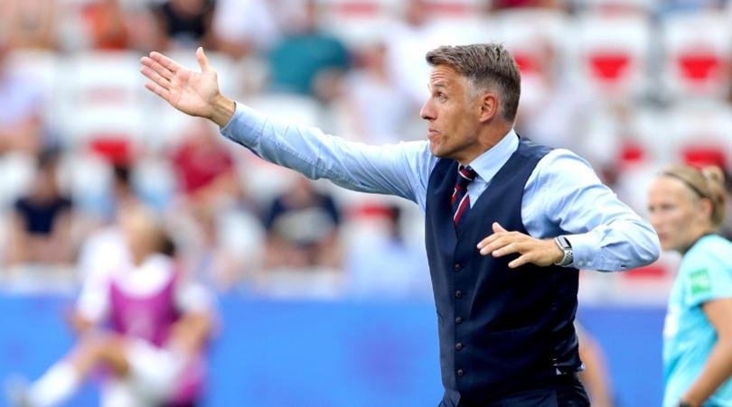 فیل نویل فیل نویل هدایت قهرمان فوتبال زنان جهان را بر عهده میگیرد؟