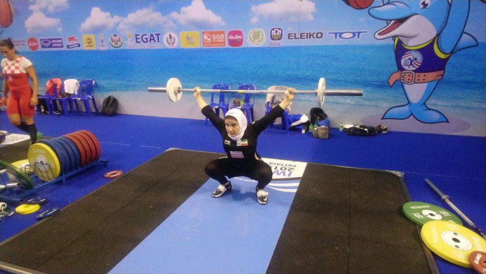 پوپک بسامی تیم ملی وزنه برداری زنان 1000x564 تصاویر حضور پوپک بسامی در مسابقات وزنه برداری قهرمانی جهان