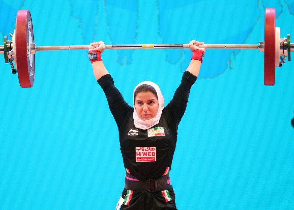 پوپک بسامی دختر وزنه بردار 978x700 تصاویر حضور پوپک بسامی در مسابقات وزنه برداری قهرمانی جهان