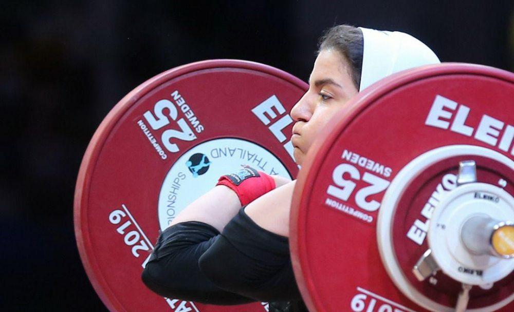 پوپک بسامی در مسابقات وزنه برداری قهرمانی جهان 1000x608 تصاویر حضور پوپک بسامی در مسابقات وزنه برداری قهرمانی جهان