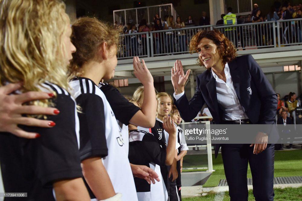 یوونتوس بارسلونا فوتبال زنان لیگ قهرمانان اروپا 9 1000x667 گزارش تصویری | دیدار تیمهای یوونتوس و بارسلونا در لیگ قهرمانان زنان