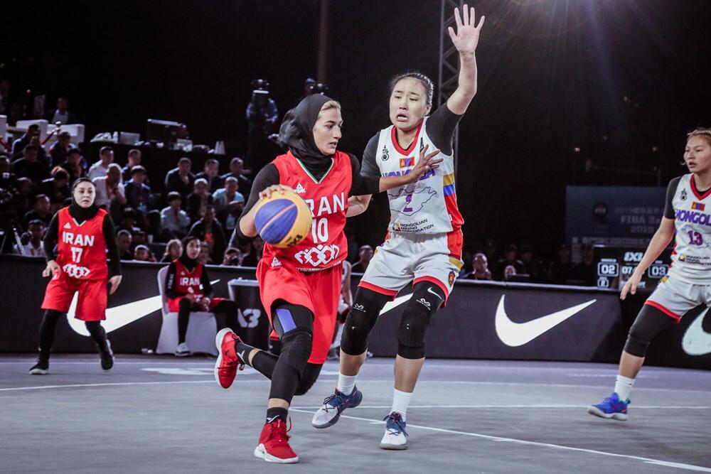دختران بسکتبال ۳ نفره ایران در راه اتریش و مجارستان