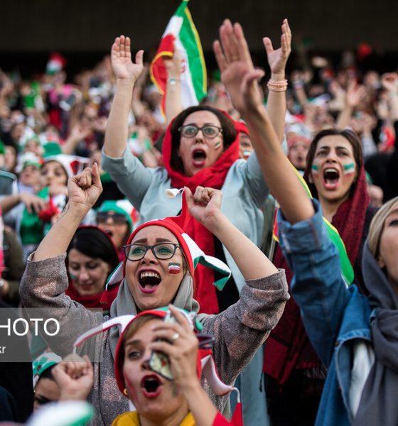 حضور زنان در ورزشگاه آزادی در دیدار ایران و کامبوج 18 560x600 فیفا خواستار ورود زنان ایران به ورزشگاه در مسابقات لیگ شد