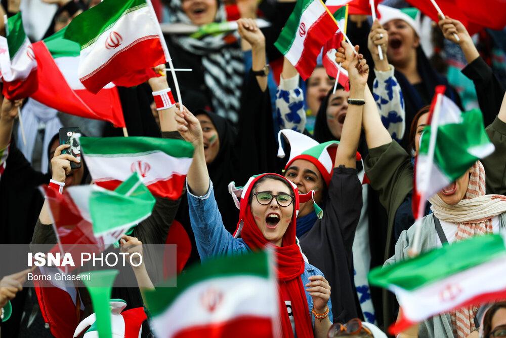 گزارش تصویری | حضور زنان در ورزشگاه آزادی در دیدار ایران و کامبوج
