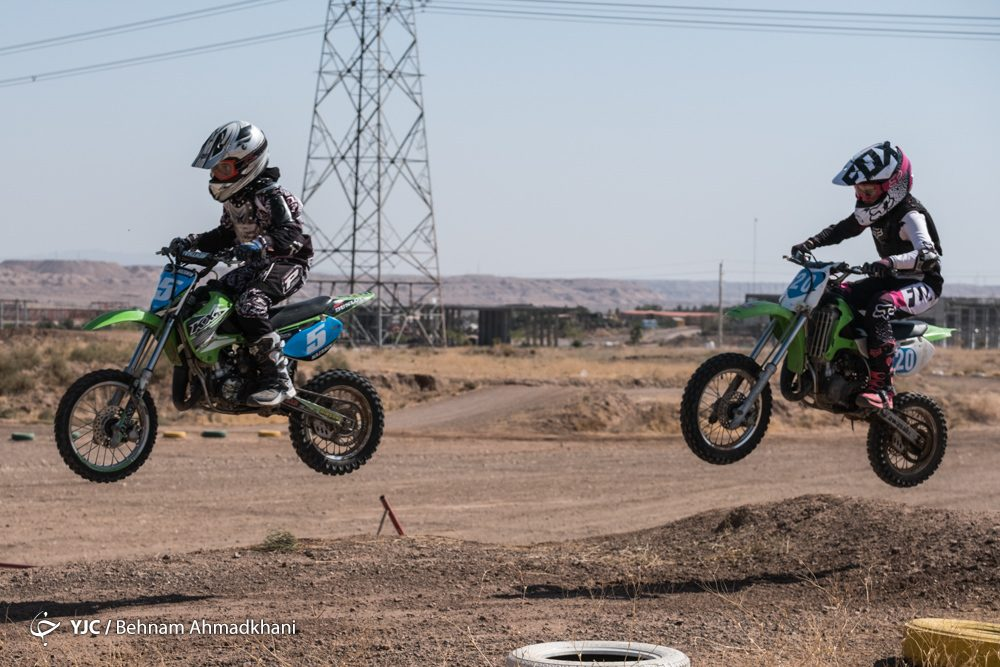 دومین دوره مسابقات موتور کراس بانوان کشور 1 1000x667 گزارش تصویری | دومین دوره مسابقات موتور کراس بانوان کشور