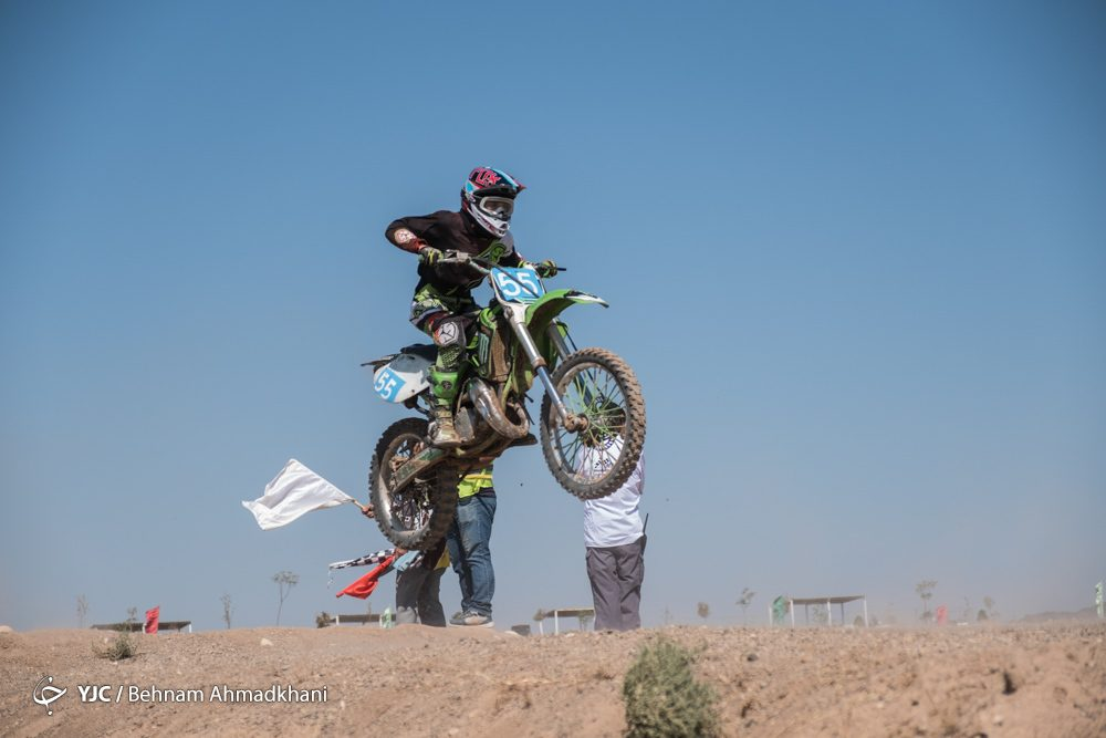 دومین دوره مسابقات موتور کراس بانوان کشور 31 1000x667 گزارش تصویری | دومین دوره مسابقات موتور کراس بانوان کشور