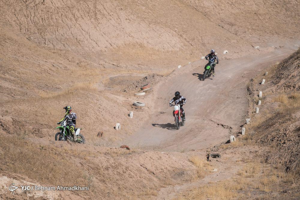 دومین دوره مسابقات موتور کراس بانوان کشور 35 1000x667 گزارش تصویری | دومین دوره مسابقات موتور کراس بانوان کشور