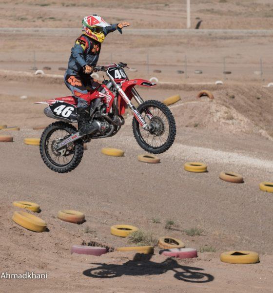 دومین دوره مسابقات موتور کراس بانوان کشور 37 560x600 چالشهای دختران موتور سوار | نه پول هست، نه مسابقه و نه اعزام