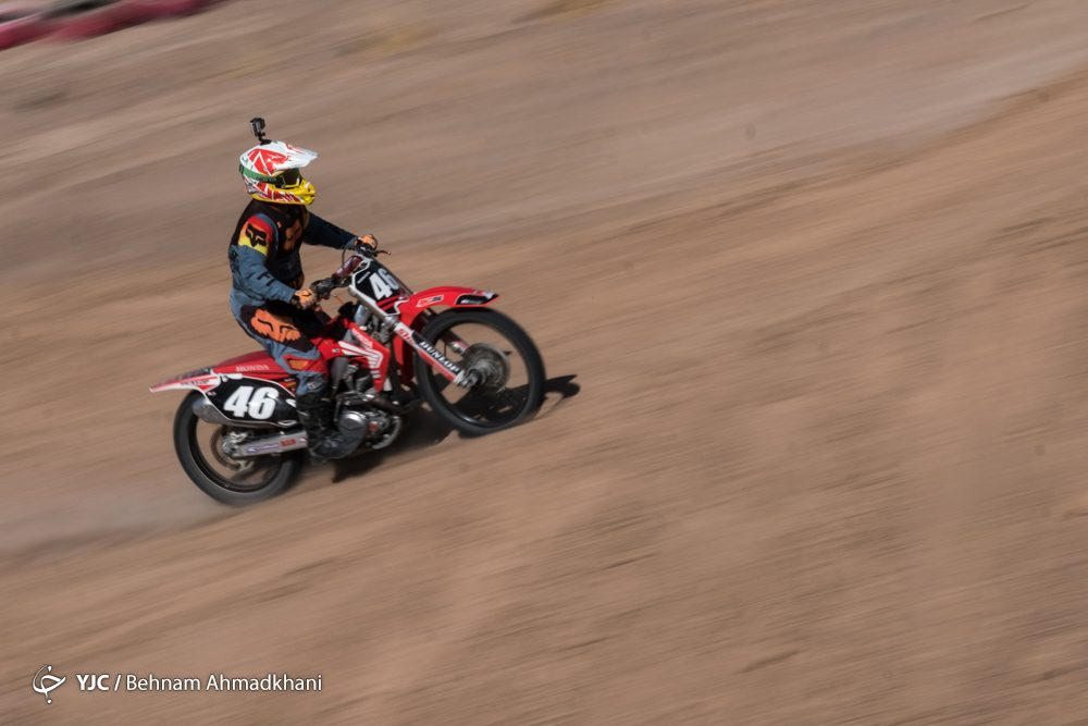 دومین دوره مسابقات موتور کراس بانوان کشور 44 1000x667 گزارش تصویری | دومین دوره مسابقات موتور کراس بانوان کشور