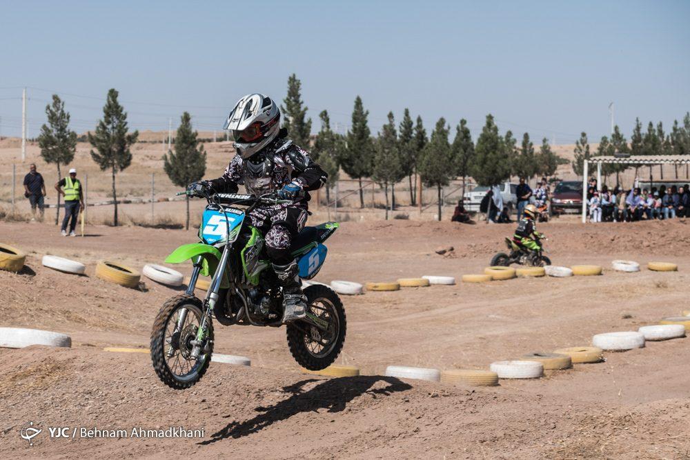دومین دوره مسابقات موتور کراس بانوان کشور 46 1000x667 گزارش تصویری | دومین دوره مسابقات موتور کراس بانوان کشور