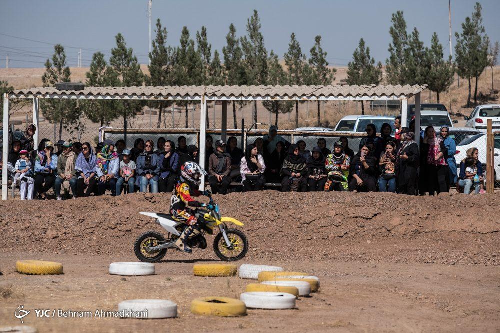 دومین دوره مسابقات موتور کراس بانوان کشور 47 1000x667 گزارش تصویری | دومین دوره مسابقات موتور کراس بانوان کشور