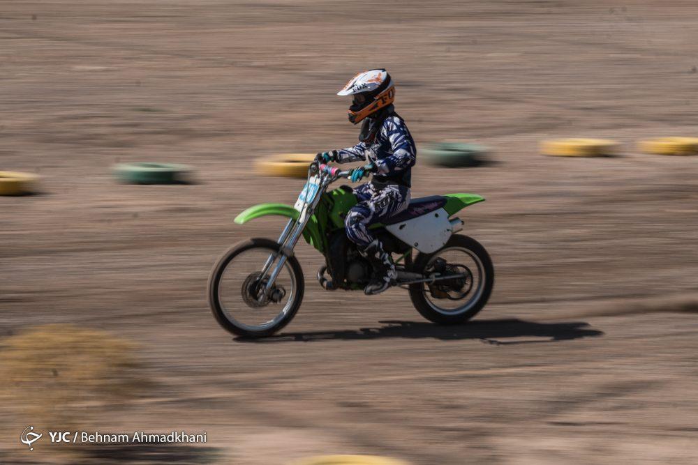 دومین دوره مسابقات موتور کراس بانوان کشور 52 1000x667 گزارش تصویری | دومین دوره مسابقات موتور کراس بانوان کشور