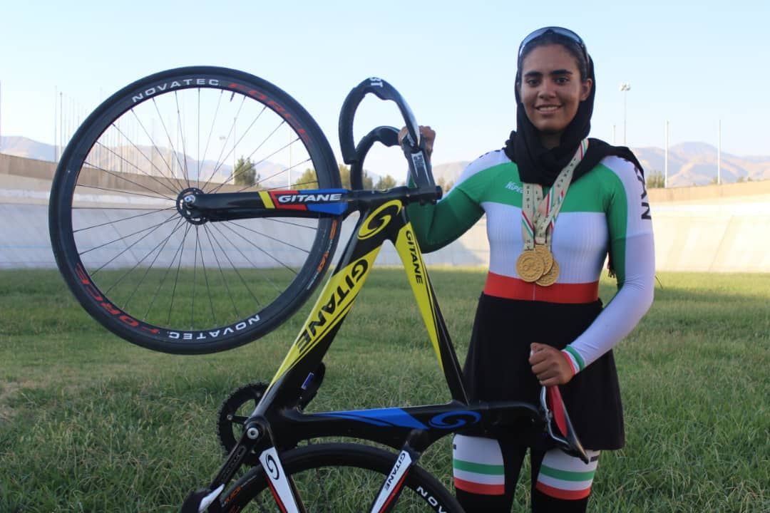 ستاره زرگر تیم ملی دوچرخه سواری ستاره زرگر : پیست چوبی چالش ایران در دوچرخه سواری پیست آسیا است