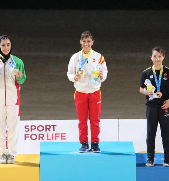 فاطمه صادقی در المپیک ساحلی قطر 1 560x600 ویدئو | نظرات فاطمه صادقی پس از کسب مدال نقره کاتای بازیهای جهانی ساحلی