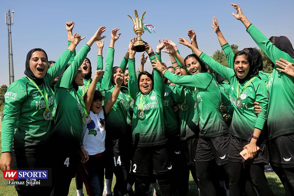مسابقات راگبی بانوان قهرمانی کشور 37 1000x667 گزارش تصویری | مسابقات راگبی بانوان کشور در تهران