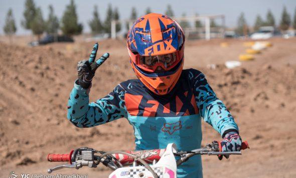 موتورسواری بانوان مسابقات موتورکراس قهرمانی کشور 590x354 برگزاری مسابقات موتور کراس بانوان کشور با حضور 32 دختر موتور سوار