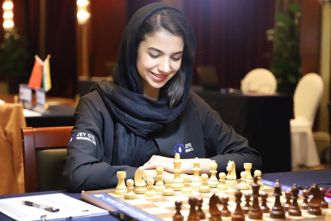 سارا خادم الشریعه حضور خادم الشریعه در شطرنج باشگاه های اروپا | متیو کورنت فرانسوی، مربی سارا می شود