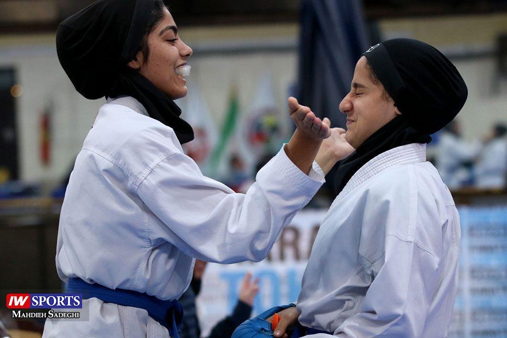 هفته اول لیگ برتر کاراته 16 1000x667 گزارش تصویری   هفته اول لیگ برتر کاراته بانوان در سالن شهید کبگانیان