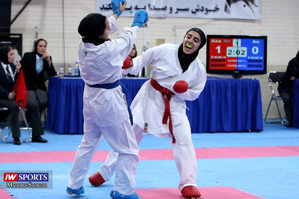 هفته اول لیگ برتر کاراته 18 1000x667 گزارش تصویری   هفته اول لیگ برتر کاراته بانوان در سالن شهید کبگانیان
