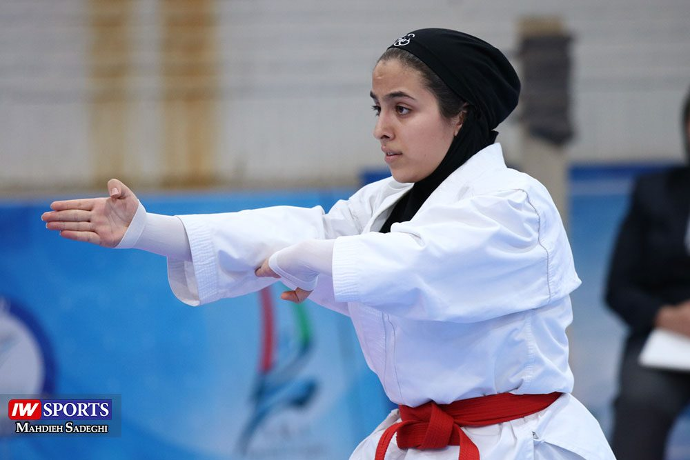 هفته اول لیگ برتر کاراته 21 1000x667 گزارش تصویری   هفته اول لیگ برتر کاراته بانوان در سالن شهید کبگانیان