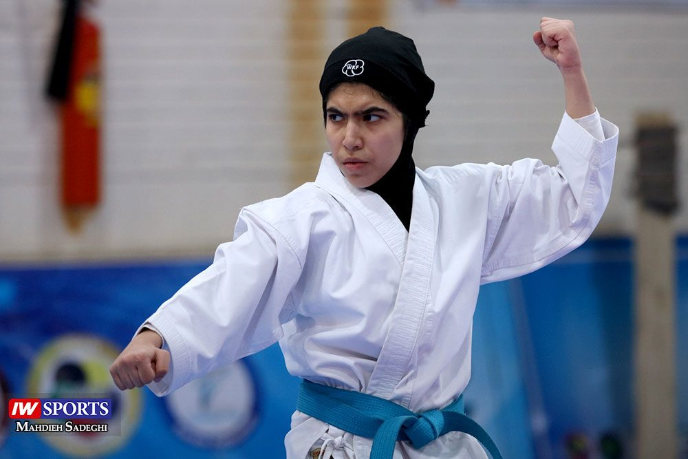 هفته اول لیگ برتر کاراته 24 1000x667 گزارش تصویری   هفته اول لیگ برتر کاراته بانوان در سالن شهید کبگانیان
