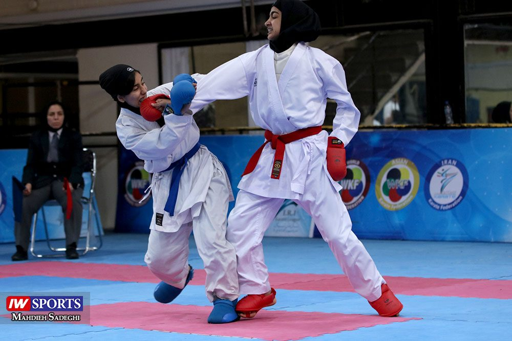 هفته اول لیگ برتر کاراته 30 1000x667 گزارش تصویری   هفته اول لیگ برتر کاراته بانوان در سالن شهید کبگانیان
