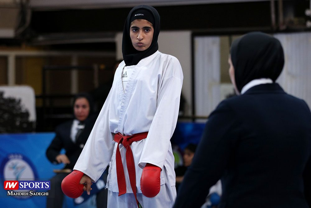 هفته اول لیگ برتر کاراته 6 1000x667 گزارش تصویری   هفته اول لیگ برتر کاراته بانوان در سالن شهید کبگانیان