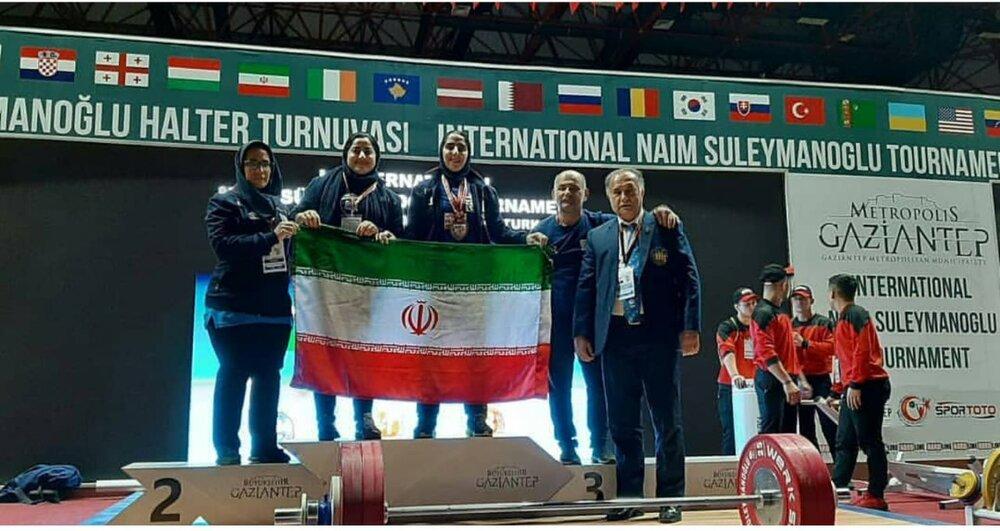 ناظر فنی تیم ملی وزنه برداری : دختران ایران در قطر زنگ تفریح نبودند