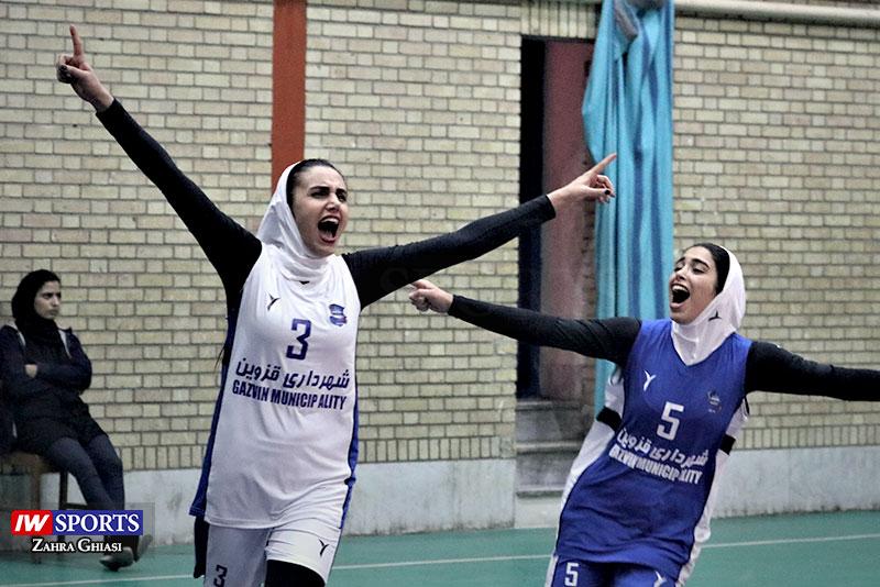 گزارش تصویری | دیدار شهرداری قزوین و باریج اسانس کاشان در لیگ والیبال بانوان