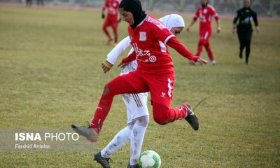 دیدار وچان کردستان و شهرداری بم در لیگ برتر فوتبال بانوان 22 400x240 تعامل ورزش زنان و رسانه ؛ ضعیف و خطرناک