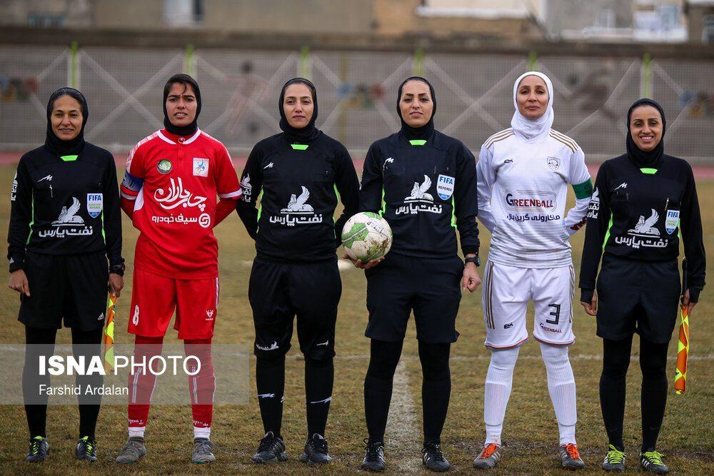 دیدار وچان کردستان و شهرداری بم در لیگ برتر فوتبال بانوان 4 1000x667 دیدار تیم های وچان کردستان و شهرداری بم به روایت تصویر