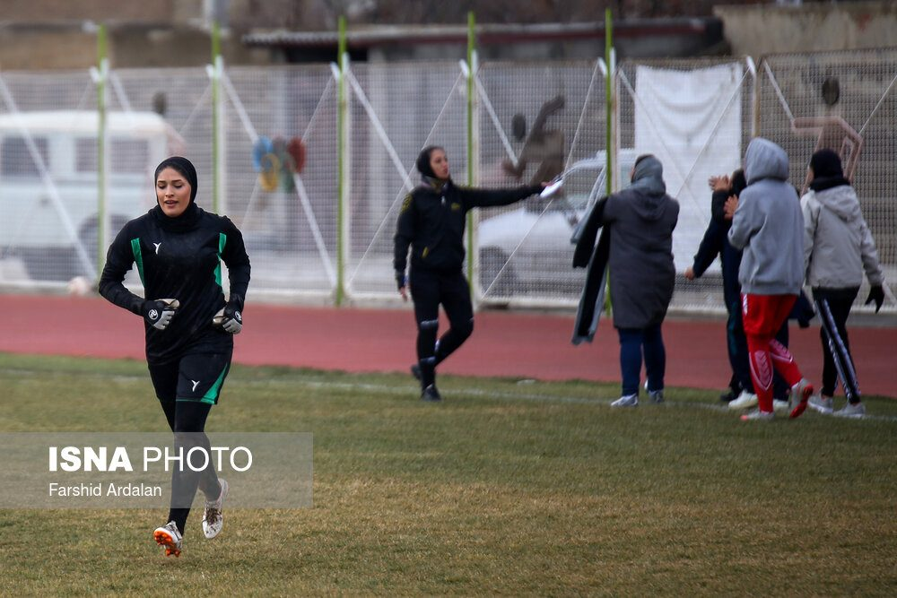 دیدار وچان کردستان و شهرداری بم در لیگ برتر فوتبال بانوان 5 1000x667 دیدار تیم های وچان کردستان و شهرداری بم به روایت تصویر